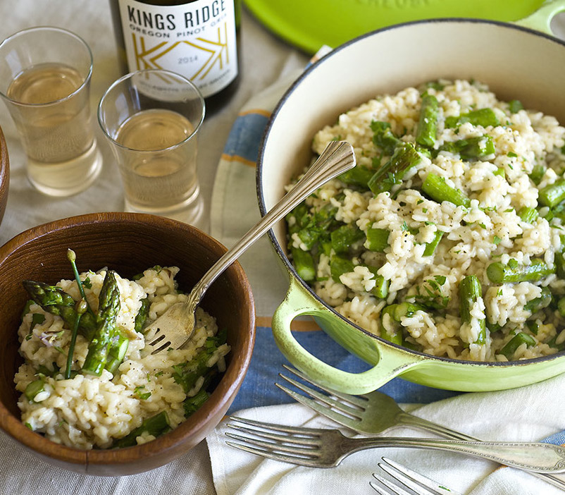 creamy spring asparagus risotto in a cast iron